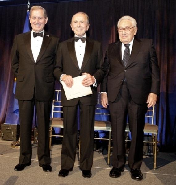 Greenberg y Kissinger 02