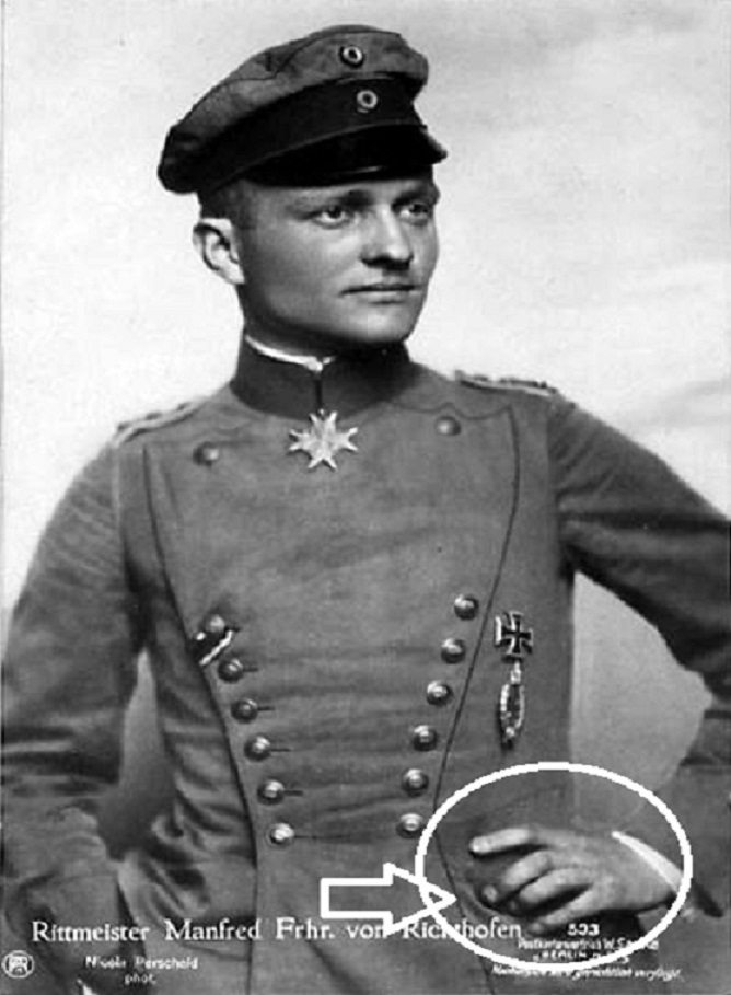 Manfred von Richthofen (Barón Rojo) Mano COHEN 01