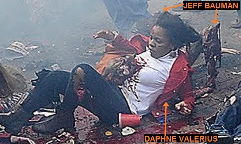 DAPHNE VALERIUS Y JEFF BAUMAN EN EL SUELO 00