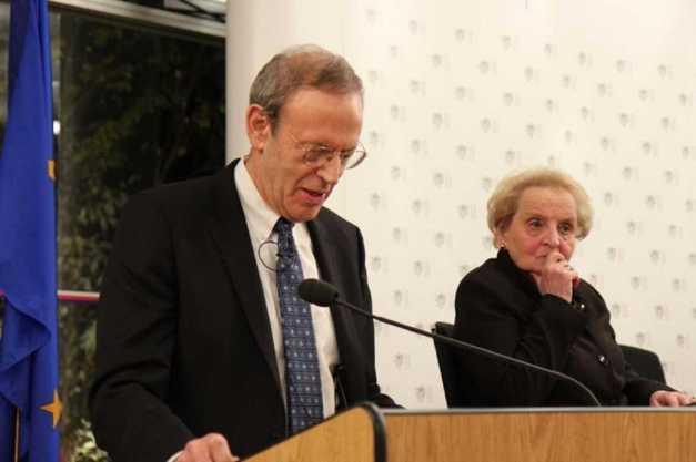 CARL GERSHMAN Y MADELEINE ALBRIGTH (NED) (00) (FILEminimizer)