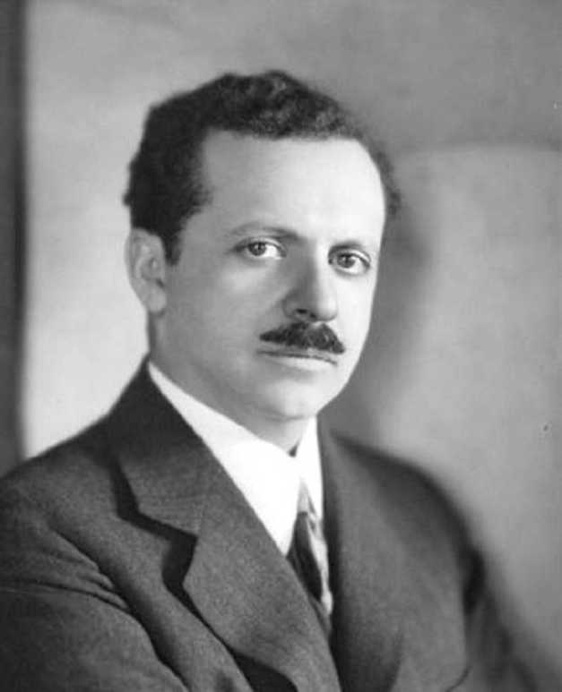 EDWARD LOUIS BERNAYS (00) (FILEminimizer)